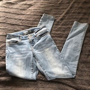 Delia's Light Wash Skinny Jeans